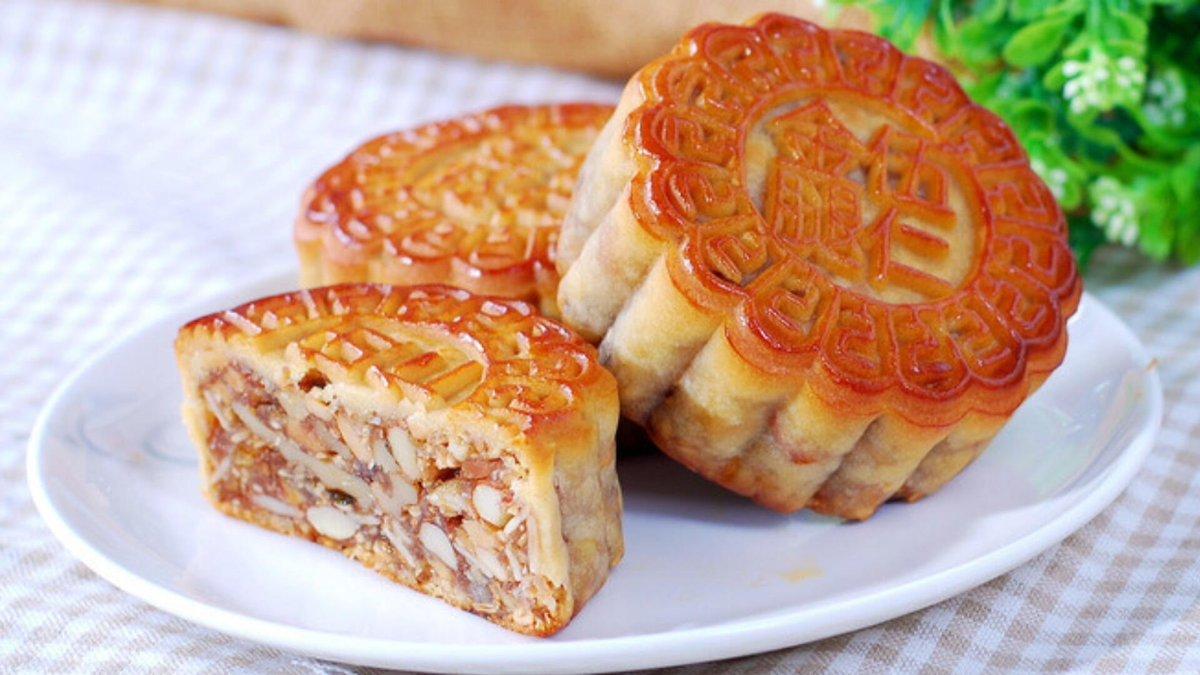 中秋节到来之际,京东上的月饼销量呈现爆发的趋势,截至9月25日,月饼的销售额环比增长超过9倍。五仁月饼今年的表现十分抢眼,销量环比增长超过500% https://t.co/bdZC1iwNYT 1