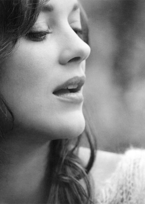 Marion Cotillard - Happy birthday to one of my favourite actresses! b. September 30, 1975