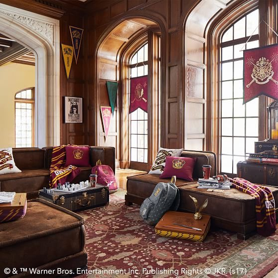 Harry Potter Universe On Twitter Gryffindor Themed Rooms