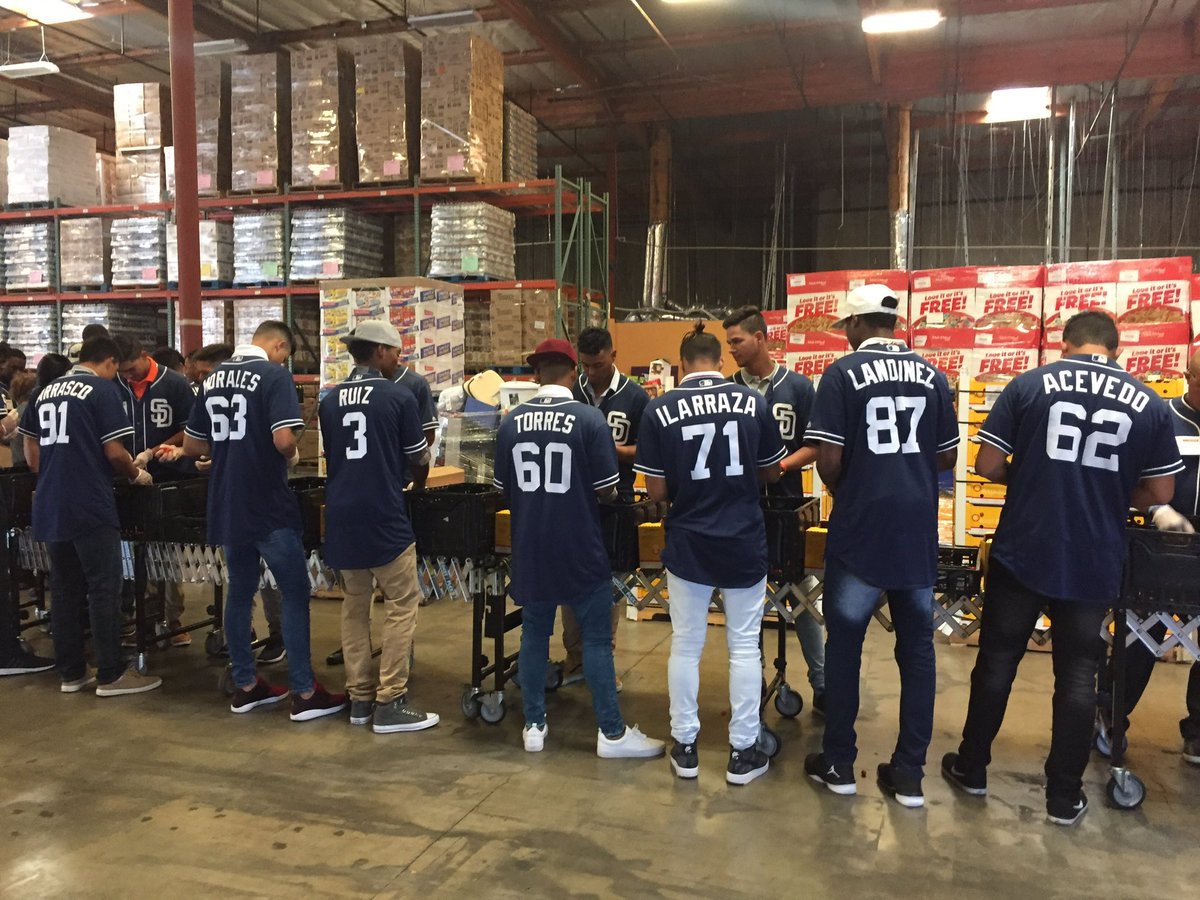 "san diego padres on twitter: ""lots of helping hands from"