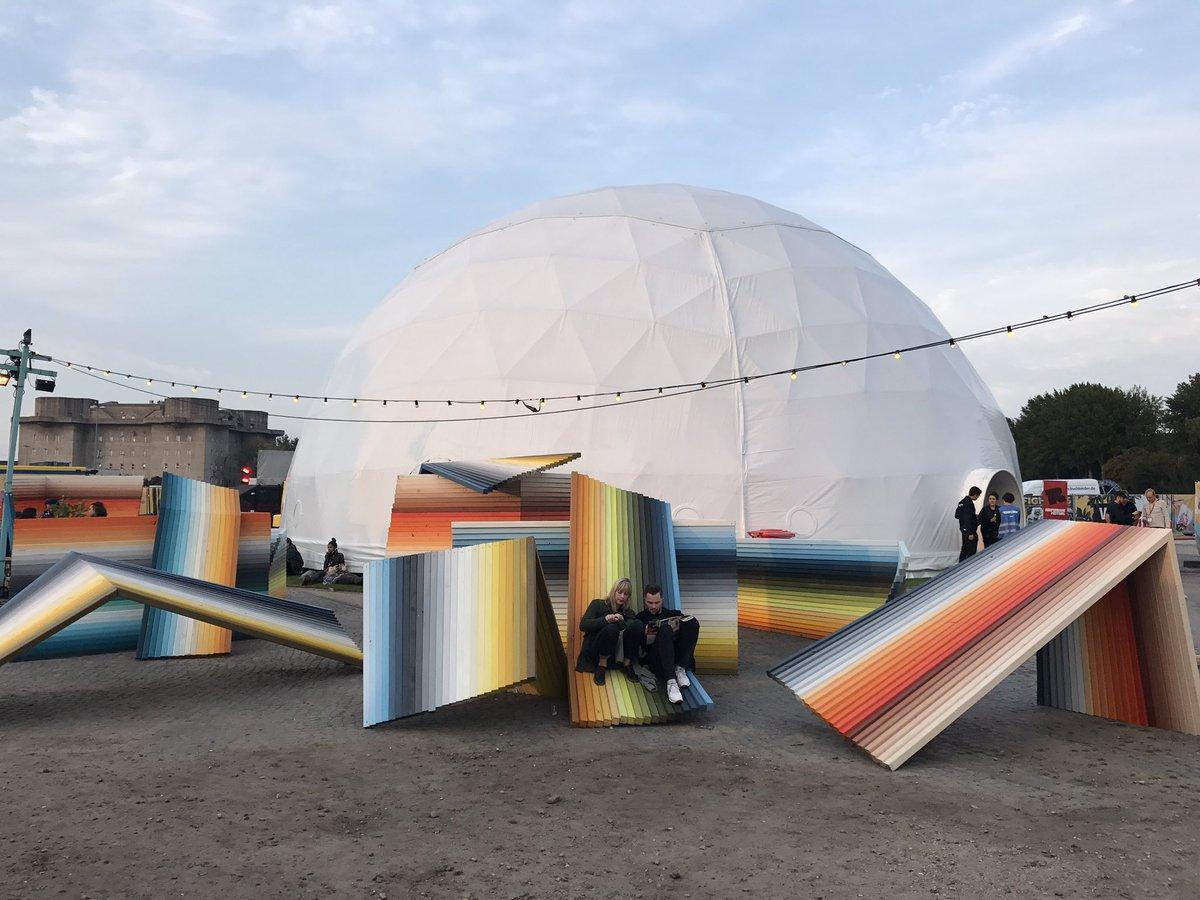 Rainbow vibes at the @Reeperbahn_Fest festival village  #hamburgontour #visithamburg #hamburgahoi #rbf17 #meinhamburg<br>http://pic.twitter.com/dwJdL4rd2i