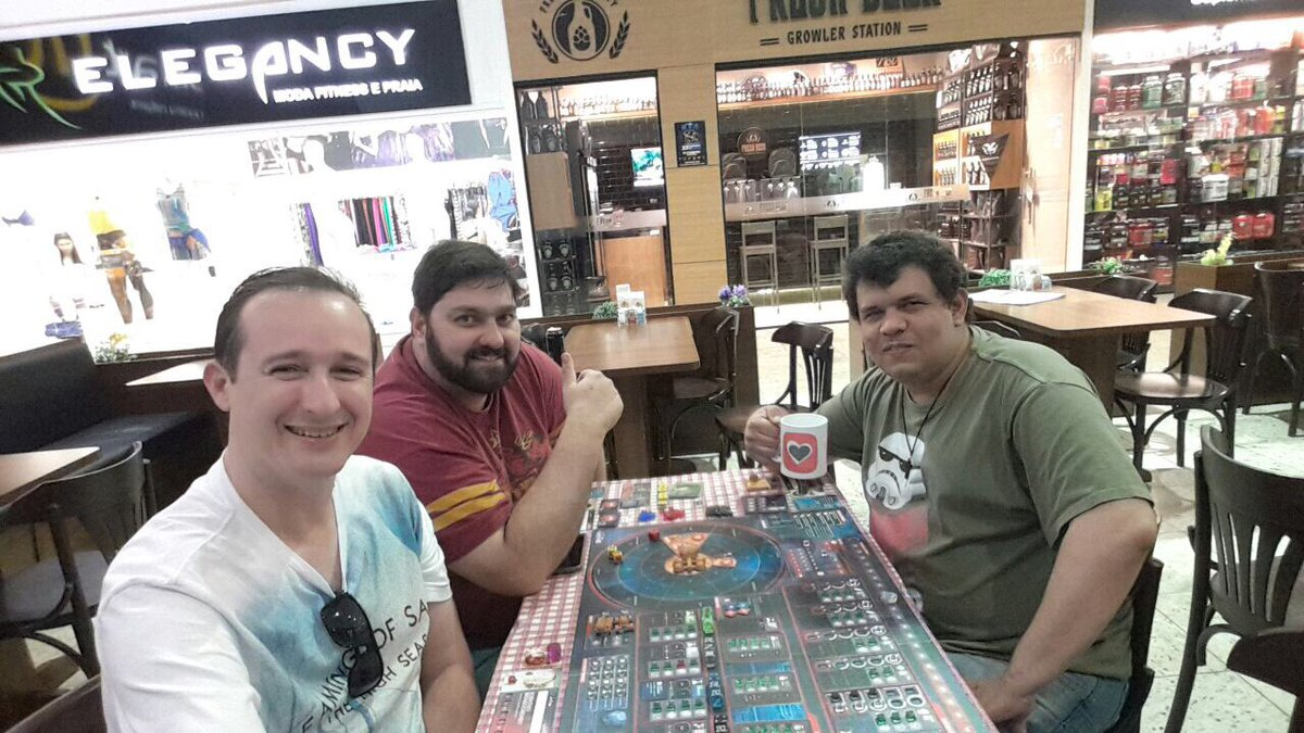 @trzewik @mcravinhos @ijeffman @lucastramos Playing #Removal with my new Portal mug. Hope we receive new name tags. #EarlyLaunch<br>http://pic.twitter.com/fK0LLLaELb