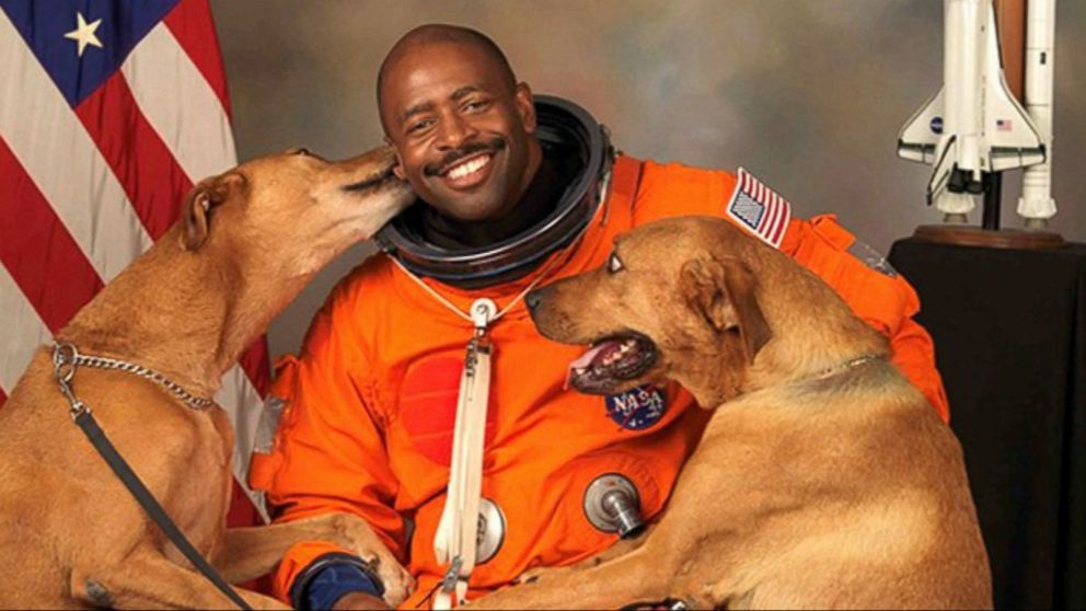 'To Donald Trump,' by Leland Melvin, former #NASA Astronaut and NFL Player https://t.co/e5XZtqqkBb @Astro_Flow https://t.co/cCgcGvjM1H