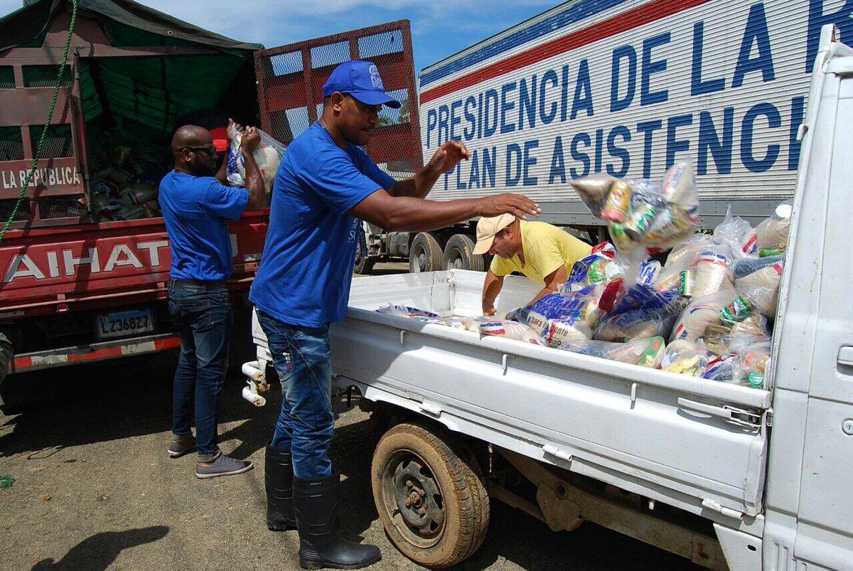 Resultado de imagen para camiones del plan social de la presidencia