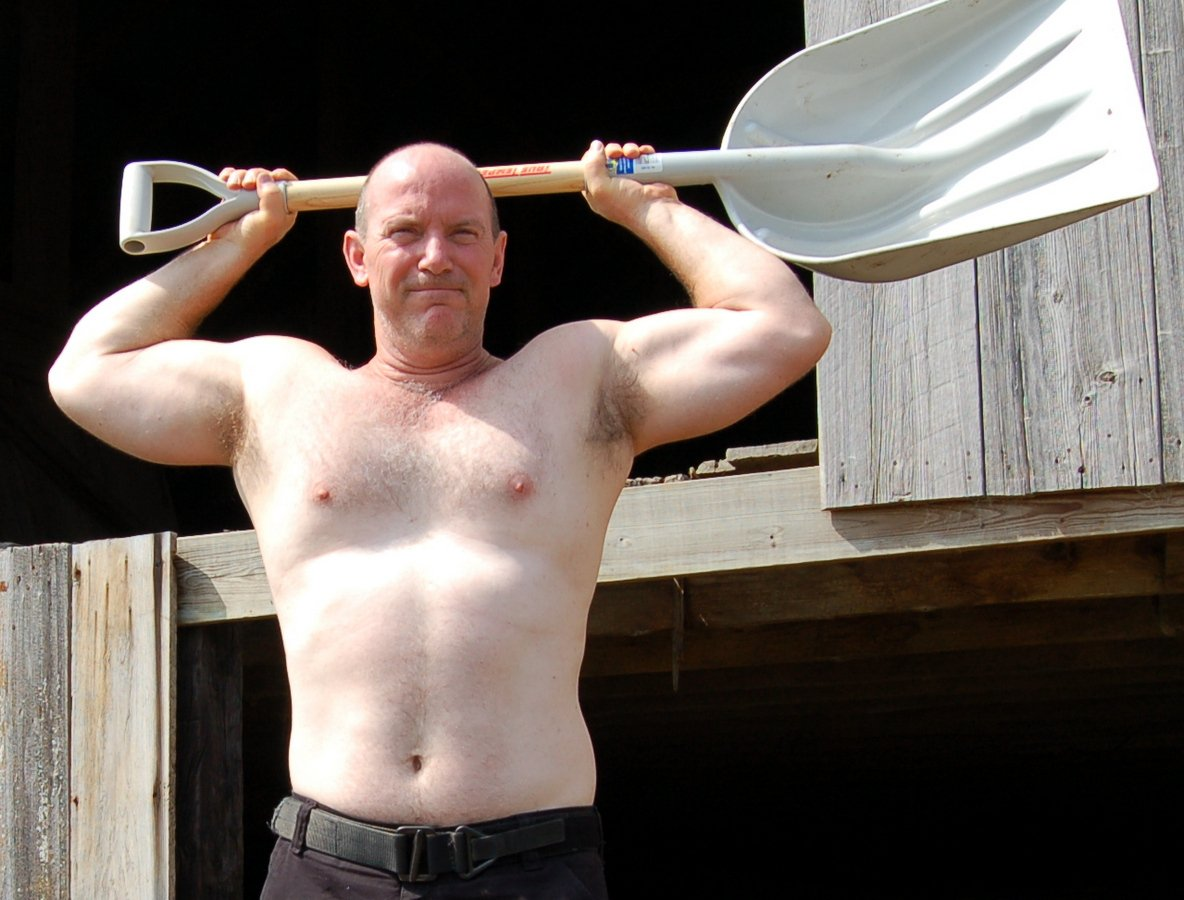 My Louisiana ranch buddy from  http:// GlobalFight.com  &nbsp;   #ranch #barn #farmer #man #men #double #biceps #posing #muscles #hairy #chest #guy #la<br>http://pic.twitter.com/YWMzVq46Vs