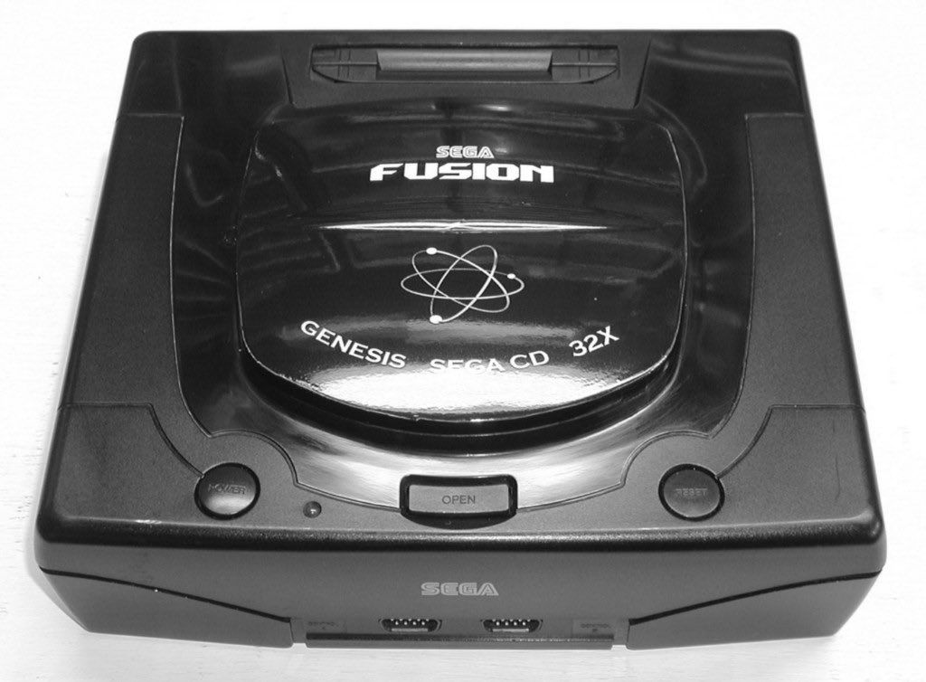 #SATURNday Custom system of theday is this all in one #Sega Saturn Fusion. LOL! Actually a great idea. #retrogaming<br>http://pic.twitter.com/IZ13Is7tWE