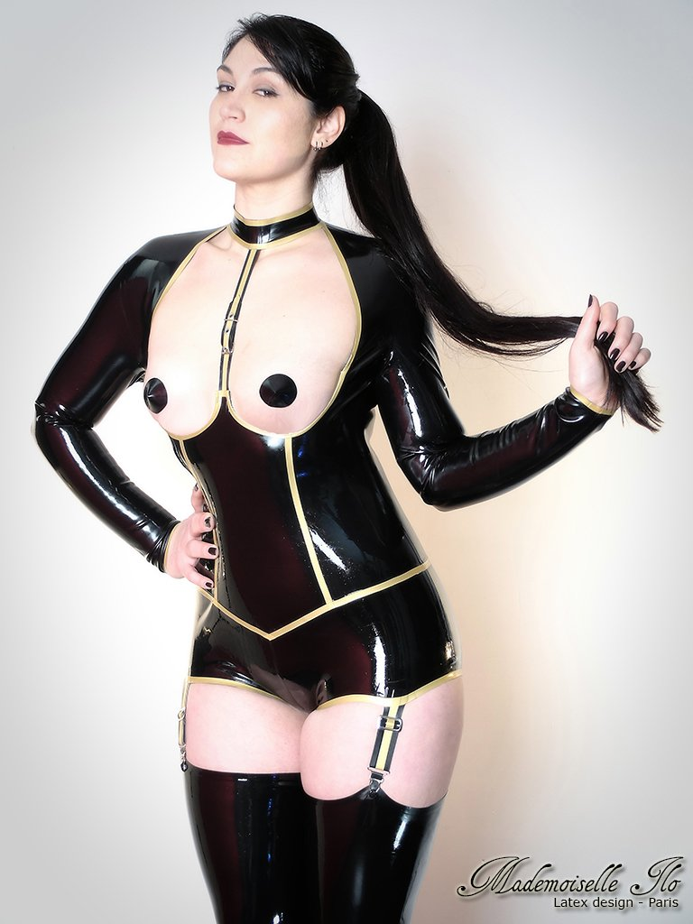 Moon in Obsession latex body  http://www. mademoiselle-ilo.fr  &nbsp;   #mademoiselleilo #frenchlatex #frenchfashion #latexdesign #latexfashion #paris #france <br>http://pic.twitter.com/lh6F5ZlM3k