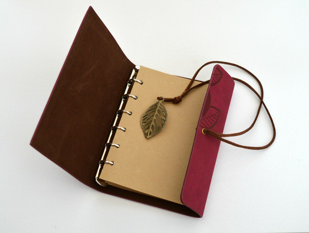 Red faux suede nature themed #notepads. #scrapbooking  #Mothersday  http:// ow.ly/lf1l30feBgo  &nbsp;  <br>http://pic.twitter.com/O13EcUTxTh