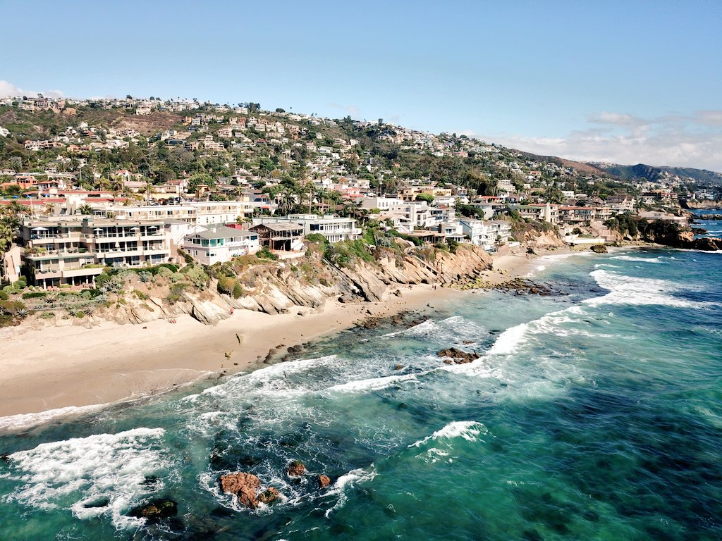 Looks like another beautiful day in #LagunaBeach. #LuxuryTravel #California #Drone<br>http://pic.twitter.com/CwcBh7X5w3