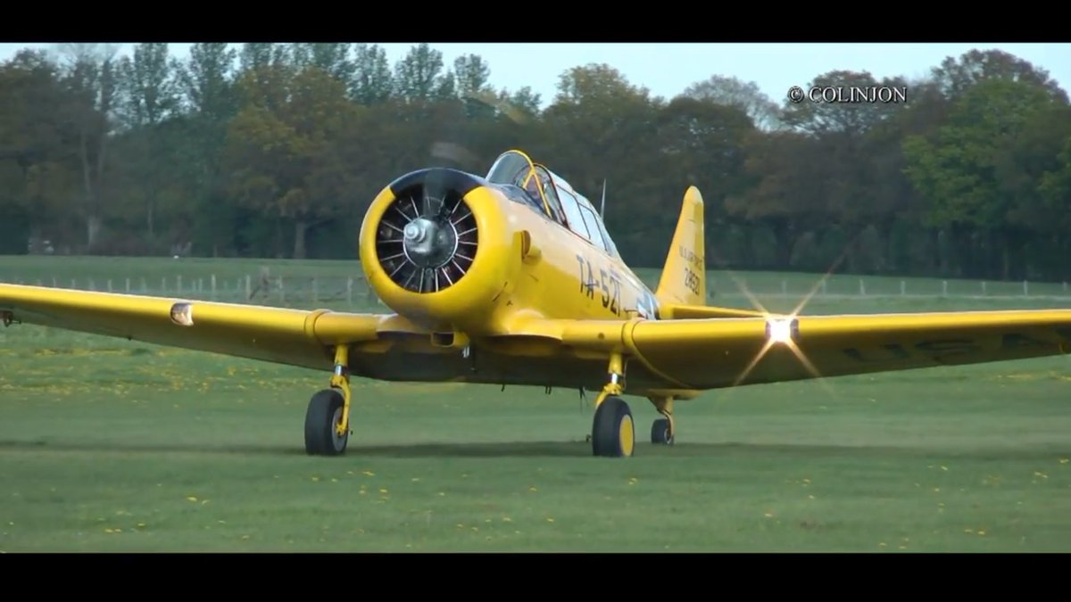 A Spitfire has been converted to a two-seat version  https:// youtu.be/H4971Vs7qhQ  &nbsp;   #Aviation #avgeek #pilot #aircraft <br>http://pic.twitter.com/gZlh8fSSMx