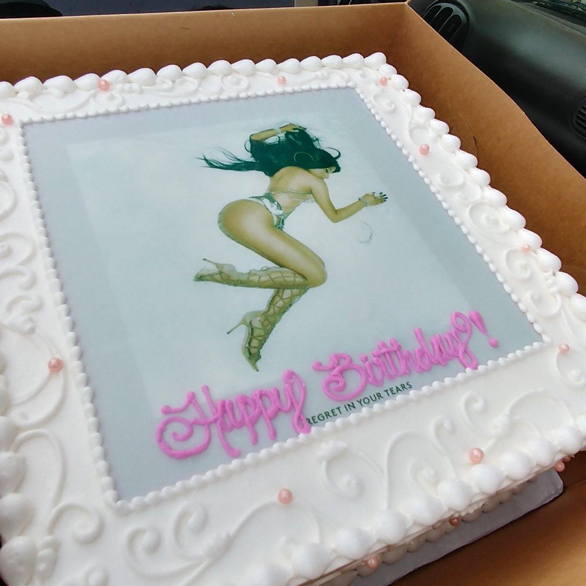 Magnificent Arnold Byrd On Twitter My Daughter Birthday Cake Of Nicki Minaj Personalised Birthday Cards Paralily Jamesorg