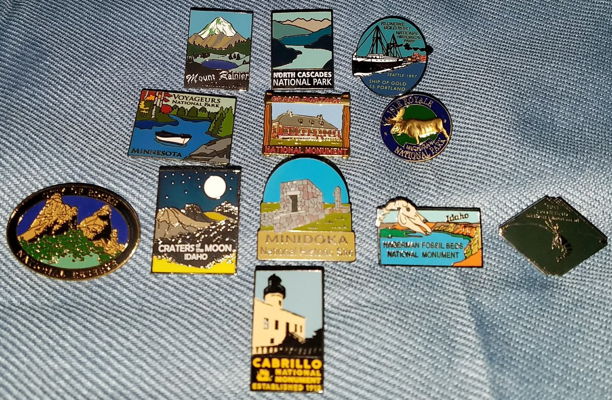 A few mementos from my summer travels in 6 different states, @NatlParkService #LapelPins. #FindYourPark #EncuentraTuParque #NPS101 #Parks101<br>http://pic.twitter.com/xgt6WFrCQR