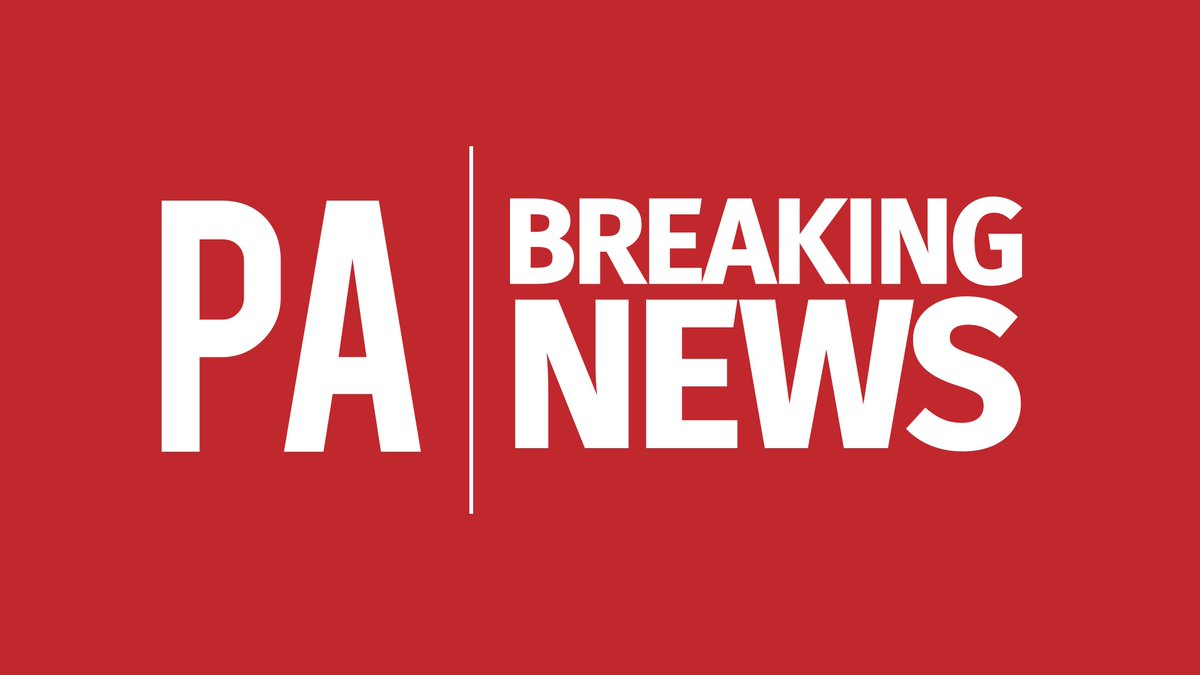 #Breaking Six people believed to be injured after reports a group sprayed a noxious substance in a shopping centre in Stratford - Met police