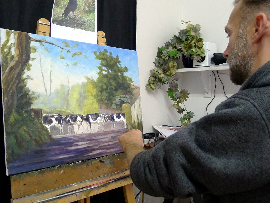 On the easel this afternoon: 24x18 inch, oil - A new painting reflecting my upbringing on a Welsh dairy farm #cows #farm #Dairy #Wales<br>http://pic.twitter.com/sXYSXzUvRr