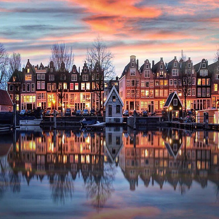 #Amsterdam Photo by @ towergallery <br>http://pic.twitter.com/H6l9a8cT4F