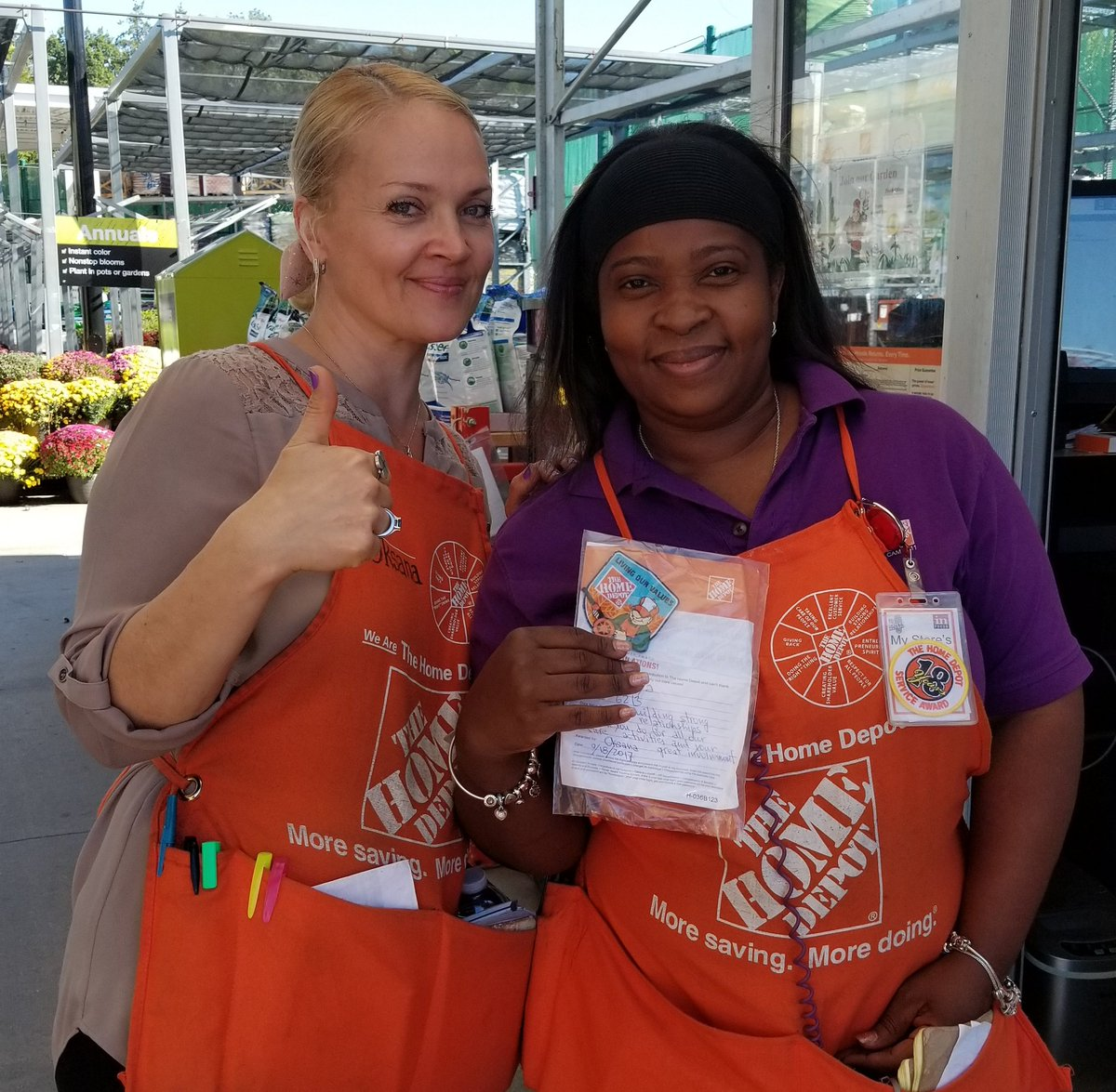 Great job HC Tanya! Great cookout help, making associates happy = our  success #HomeDepot #6213 #greatteam  @scottgseam @AcevedoRosemary<br>http://pic.twitter.com/P7kyGPabpC