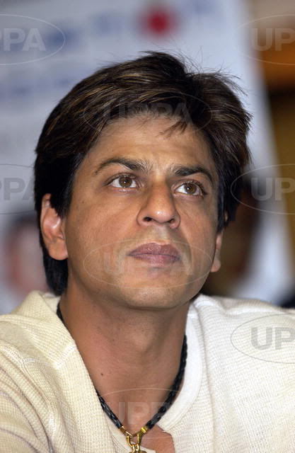 #Throwback: #ShahRukhKhan at Temptation Press Conference Aug 2004 in London.  @iamsrk<br>http://pic.twitter.com/lLCJUpNxh9