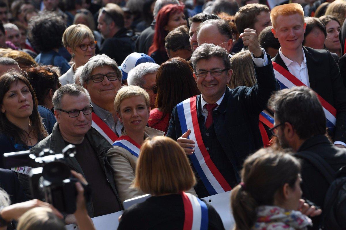 #CodeDuTravail : #Melenchon promet de poursuivre la 'bataille' dans 'la rue' https://t.co/PD29sFdfU2
