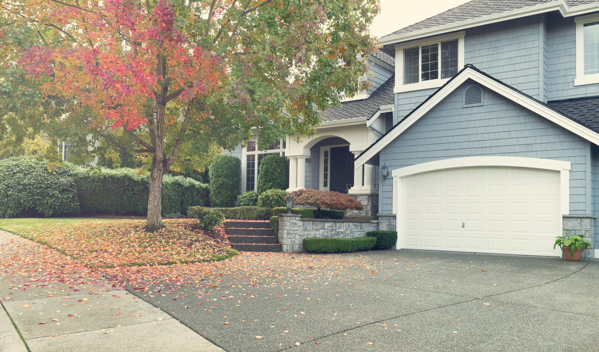 #Fall May Be Best Time for Buyers to Move  http:// bit.ly/2wNXwJE  &nbsp;   #realestate<br>http://pic.twitter.com/L69kcmTkn0