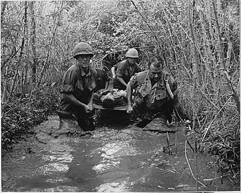 Anti-Vietnam War Activists Comment on Burns' Sentimental Lies About Vietnam  http:// portside.org/2017-09-21/ant i-vietnam-war-activists-comment-burns%E2%80%99-sentimental-lies-about-vietnam &nbsp; …  #uspoli #USPolitics @KenBurns<br>http://pic.twitter.com/Wm7IwmUj2v