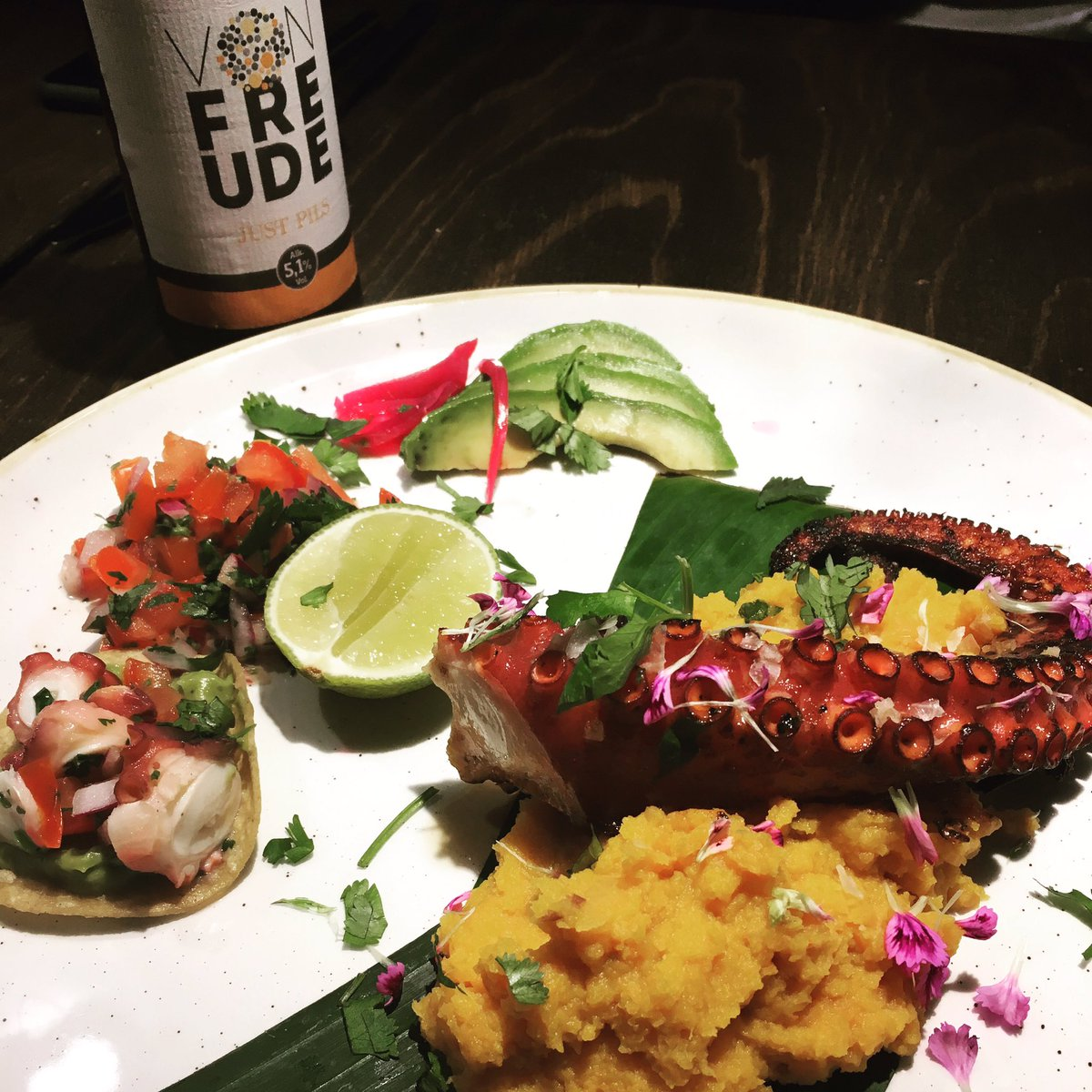Wanna try something awesome? Come to #Hamburg and have dinner at Roots Fusion Streetfood! Pulpo Mexican style with superfresh JUST PILS. https://t.co/LxuFqAB5X2