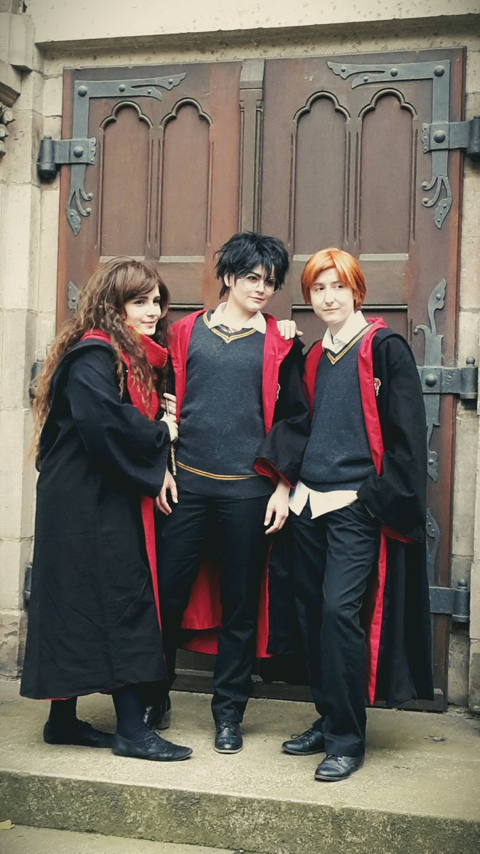 Got a picture in Stealthmode  #connichi #harrypotter #HarryPotter20 #Potterheads #pottermore #herminegranger #ronweasley<br>http://pic.twitter.com/RfyZNTTGsR