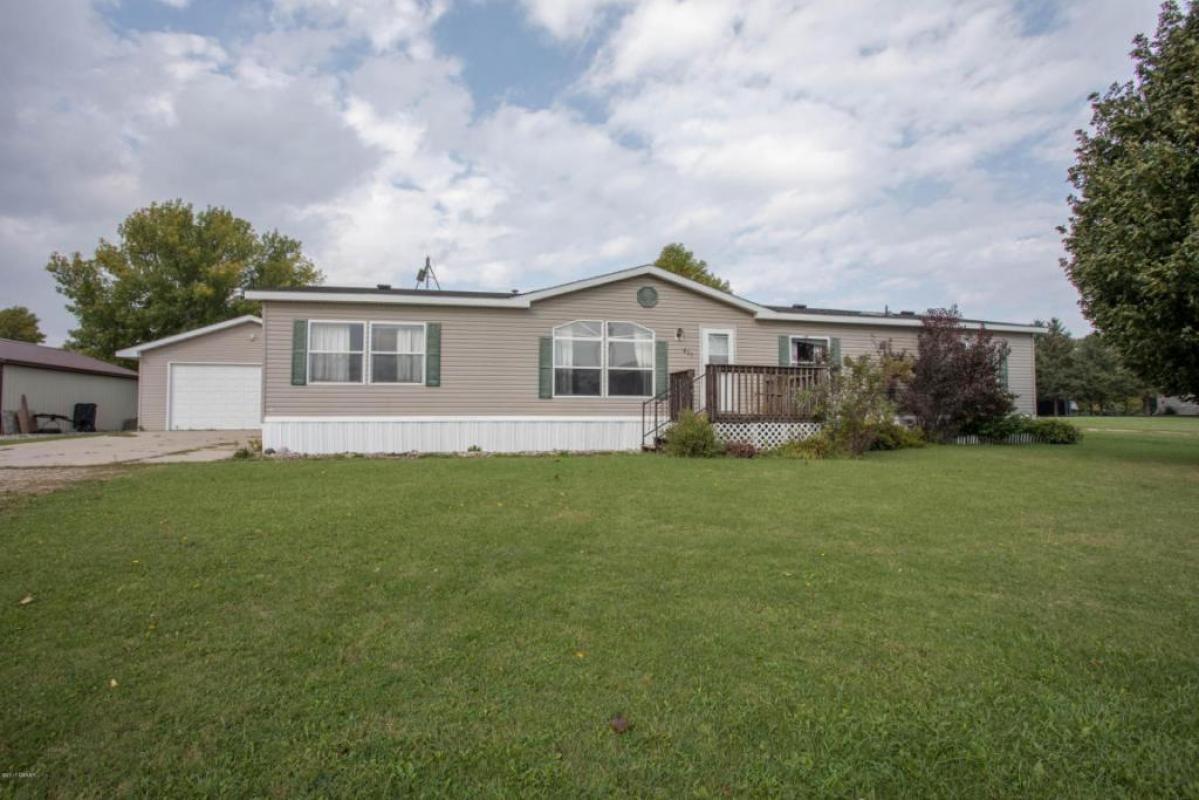 If you know anyone looking for a #property in #Brandon #MN let us know!   http:// tour.counselorrealty.com/video/549b7977 59c694947c802 &nbsp; … <br>http://pic.twitter.com/FenQckpKX1