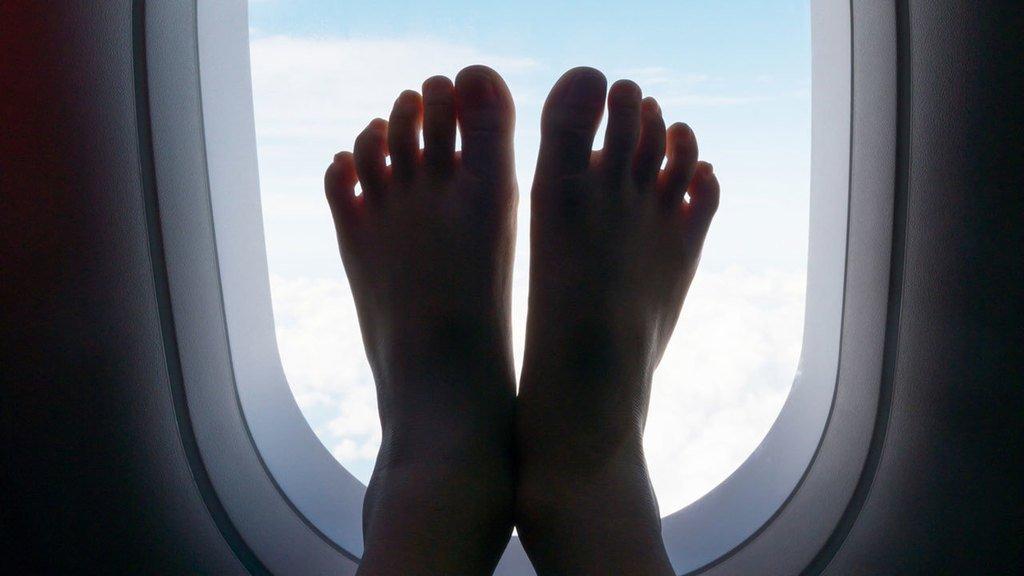 &quot;Airline passenger&#39;s bare feet turn woman&#39;s flight into nightmare scenario.&quot; #In 5 Guides #FoxNews #Trip  http:// ift.tt/2xNTCp3  &nbsp;  <br>http://pic.twitter.com/UBTODMM3Go
