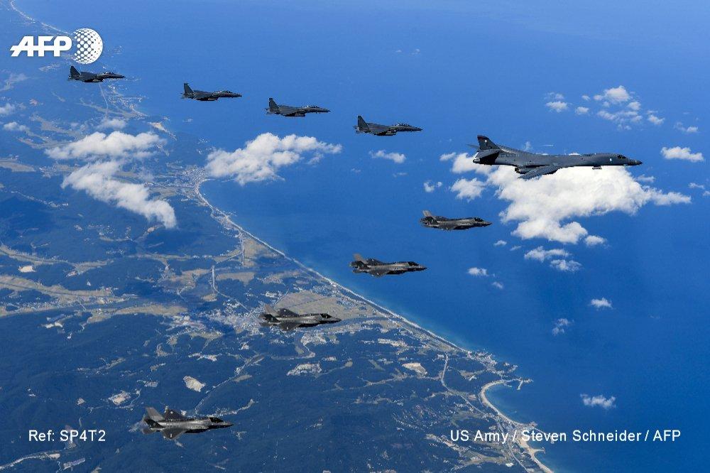 Washington envoie un 'message' à Pyongyang en survolant ses côtes https://t.co/bSGRYfrf7D par @abdulshaz #AFP