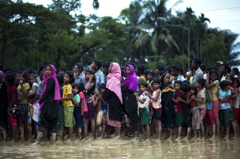 With 400K+ having already fled in mere weeks, Myanmar army seems determined to wipe Rohingya Muslims off Myanmar map https://t.co/aW0toRN8Se