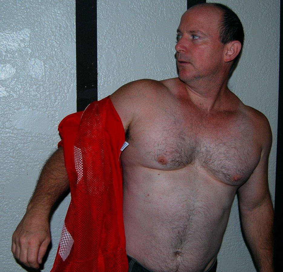 My Louisiana football buddy from  http:// GlobalFight.com  &nbsp;   #football #louisiana #player #man #hairychest #arms #hairy #pecs #chest #stomach<br>http://pic.twitter.com/AgnDitFFsQ