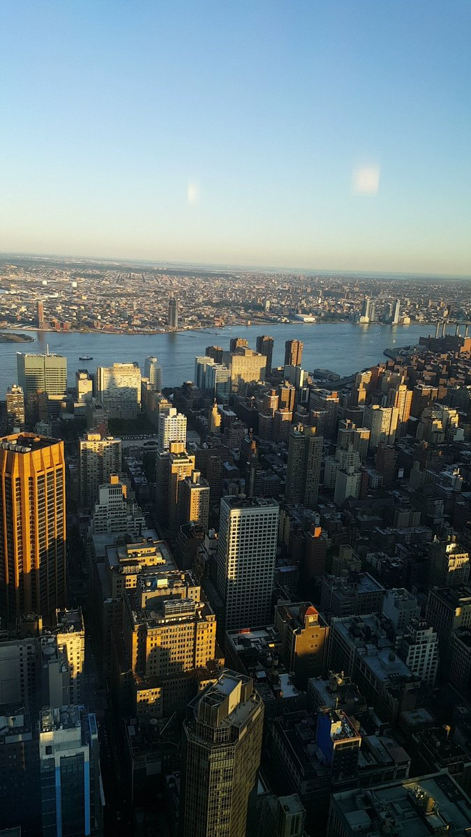 #ViewsFromThe80th #NYC Empire State Building <br>http://pic.twitter.com/EKhnuUszKt &ndash; at Empire State Building