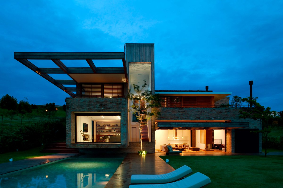 MP Baronesa by Studio Arthur Casas |  http://www. homeadore.com/2016/07/20/mp- baronesa-studio-arthur-casas/ &nbsp; …  Please RT #architecture #interiordesign <br>http://pic.twitter.com/syNAVlLnGn
