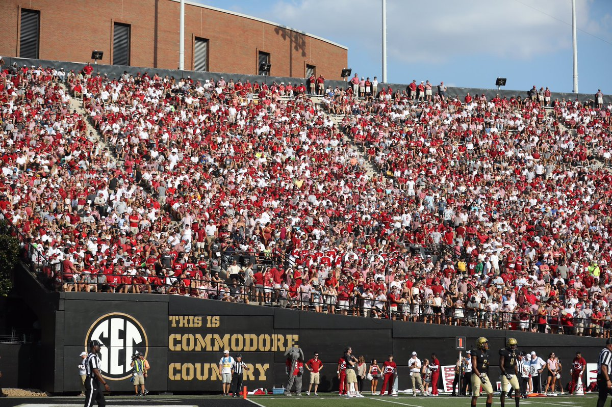 Thanks to our fans for the incredible turnout today in Nashville.  Heck of a win for @AlabamaFTBL.   #RollTide