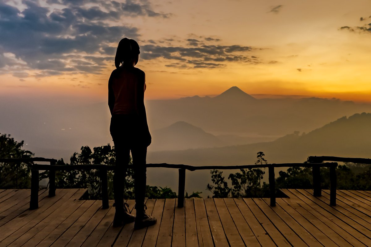 SUNSET HORIZON - A young woman watching a lovely sunset  by @robdesphoto #guatemala #sunset #silhouette #NatGeo #SonyAlpha #sky #Travel<br>http://pic.twitter.com/2rGDtCcwfm