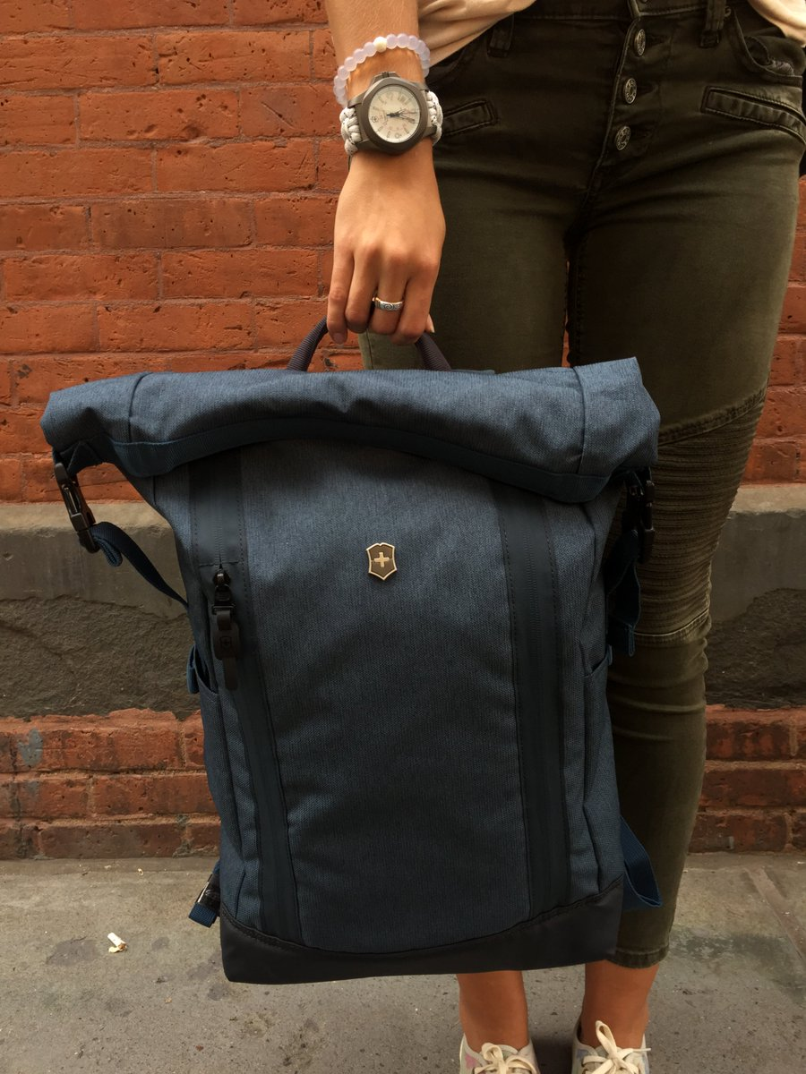 Engineered to fit heavy books, devices, and laptops. #MyVictorinox #AltmontBackpack #Back2School #AltmontBackpack<br>http://pic.twitter.com/odgT3YH4qA