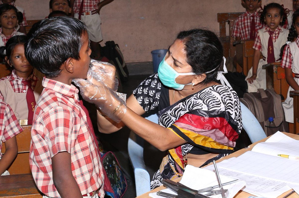 Using #cloud to tackle preventable disease among #India's poor kids. #womenintech #education #teachers  http:// bit.ly/2wOPzUg  &nbsp;  <br>http://pic.twitter.com/ukEf2sdPhF
