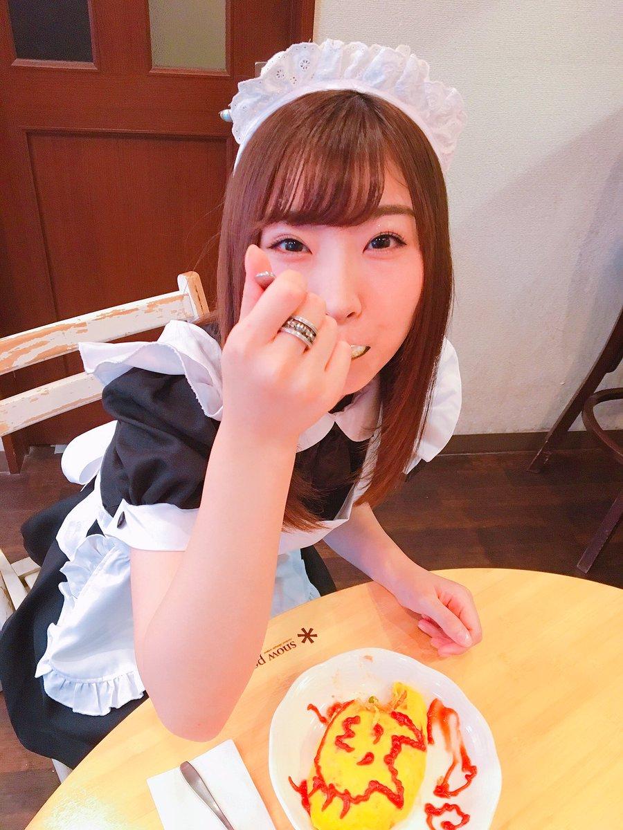 メイド服の岩佐美咲