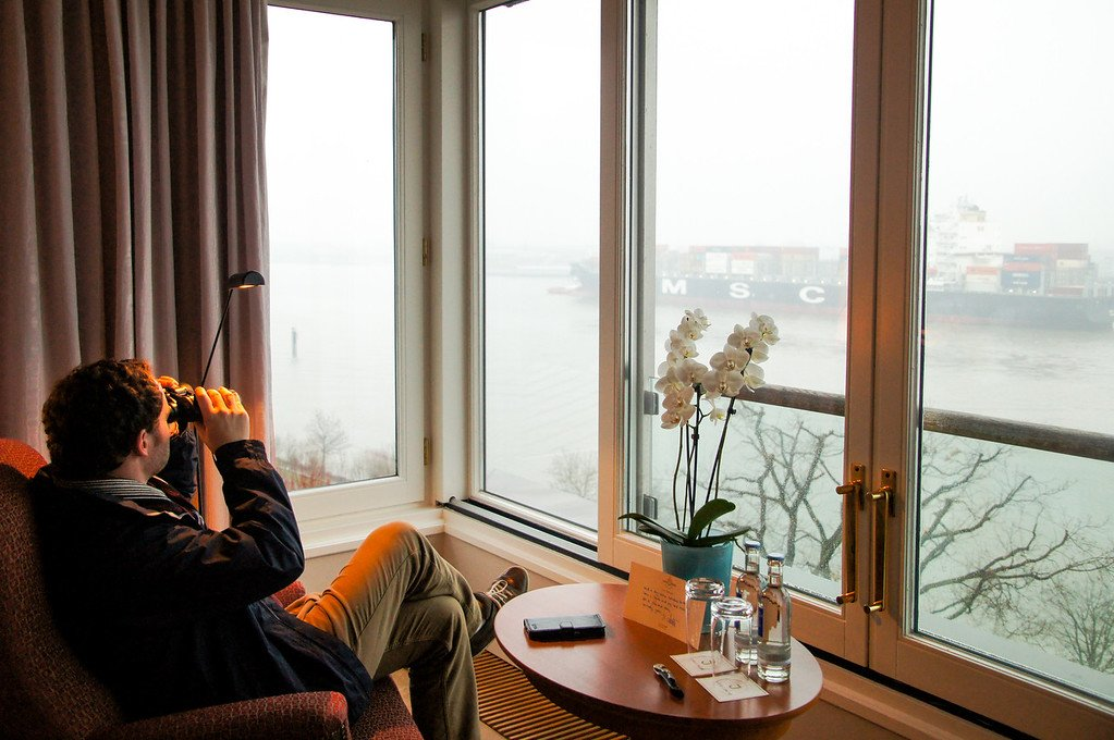 Our beautiful Hotel Louis C Jakob in #Hamburg. #VisitHamburg! -  http:// bit.ly/2nKylD7  &nbsp;   -#travelbloggers @VisitHamburg @GoVisitGermany<br>http://pic.twitter.com/qa3e1edJvu