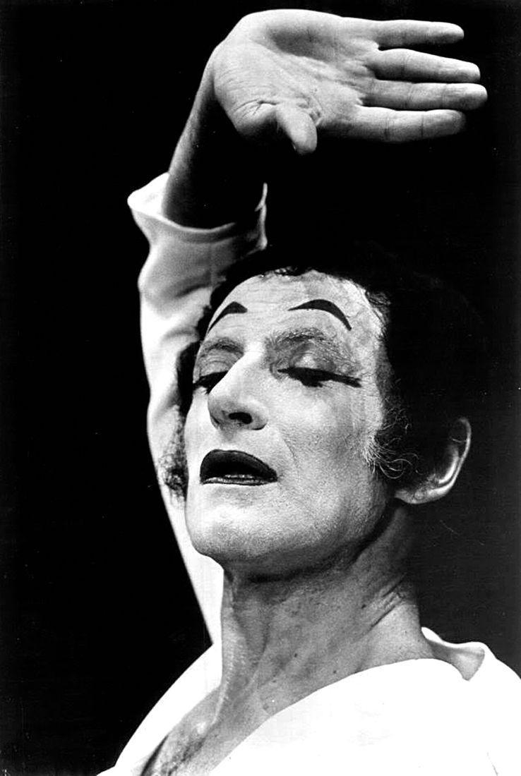 Marcel Marceau (1923-2007) : parler après Bip #mime #théâtre https://t.co/fM9keALsC0