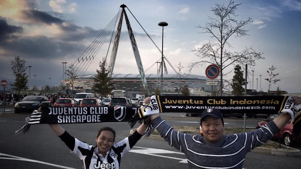 Always nice to meet #juventus fans from all over the World. Indonesia, Singapore, Belgium, Hungary, Slovakia, Georgia, Libya...  <br>http://pic.twitter.com/uUjDjI2Oa7