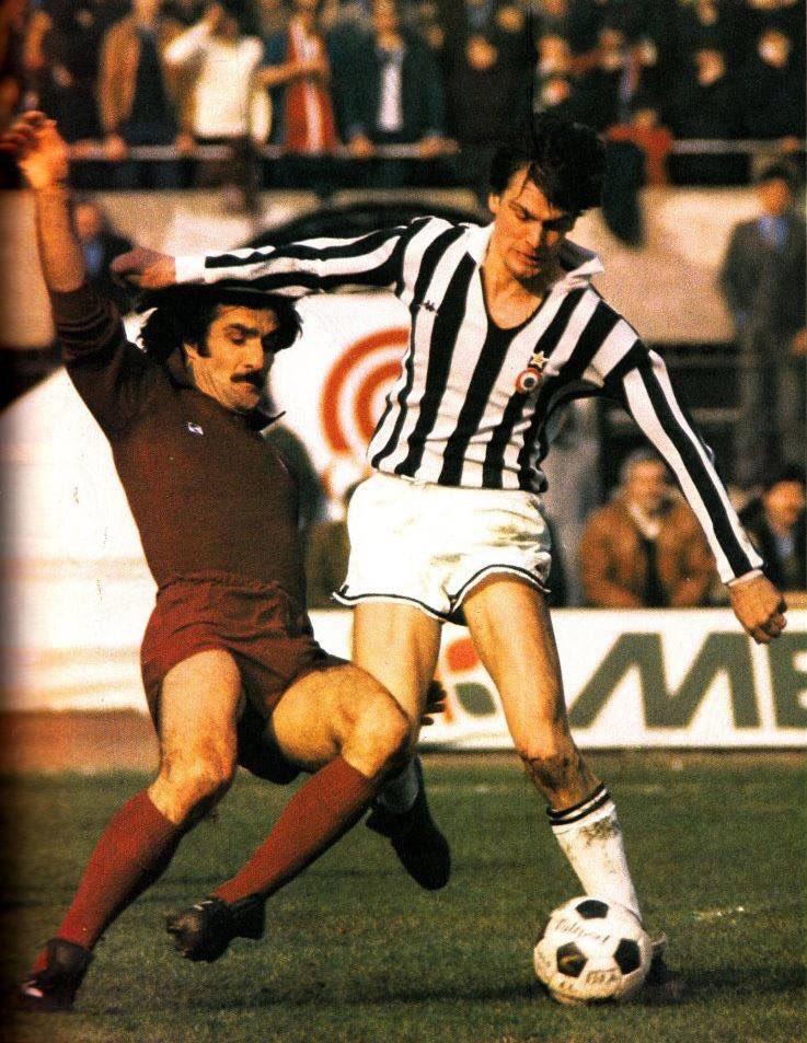 #ClaudioSala (#TorinoFC) and #MarcoTardelli (#Juventus) during  #DerbydellaMole 1979/80  #TurinDerby<br>http://pic.twitter.com/wnvlO1KErB