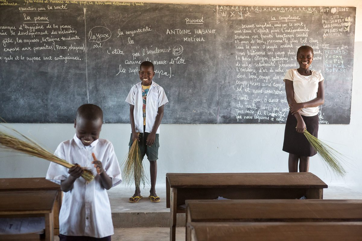 #DYK the difference between a healthy school &amp; one that isn&#39;t? #UNICEF #DRC Young Reporters explain:  http:// bit.ly/2wI5KqC  &nbsp;    v/@unicefdrc<br>http://pic.twitter.com/ohEtTQZm7X