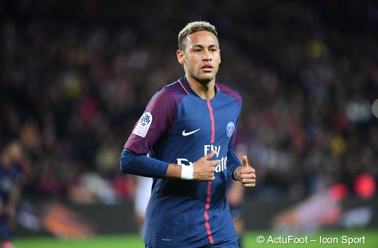 Ce que touche Neymar depuis son arrivée au PSG selon Football Leaks :  100 000 € / jour 4167 € / heure 69 € / minute 1.16 € / seconde
