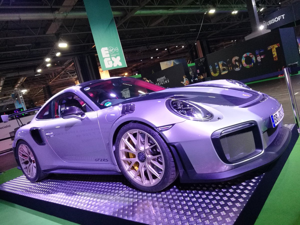 Had the pleasure of looking after this absolutely beautiful beast this weekend #ForzaMotorsport7 #Porsche #EGX2017 #security #NEC #lovinlife<br>http://pic.twitter.com/FsHktfy5kh