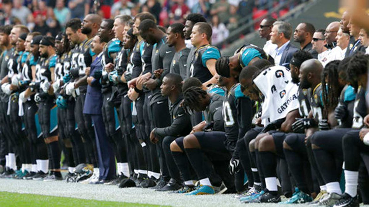 UPDATE: Pittsburgh Steelers to remain in locker room during national anthem Sunday against Bears: https://t.co/jrxUXkKhn0