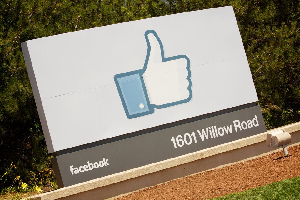 #Facebook #AI office in #Montreal  http:// crwd.fr/2xajolS  &nbsp;   #startups #crowdfunding #SmallBusiness #Realtor #outsourcing #RealEstate #indiedev<br>http://pic.twitter.com/mEDpLn5jkt