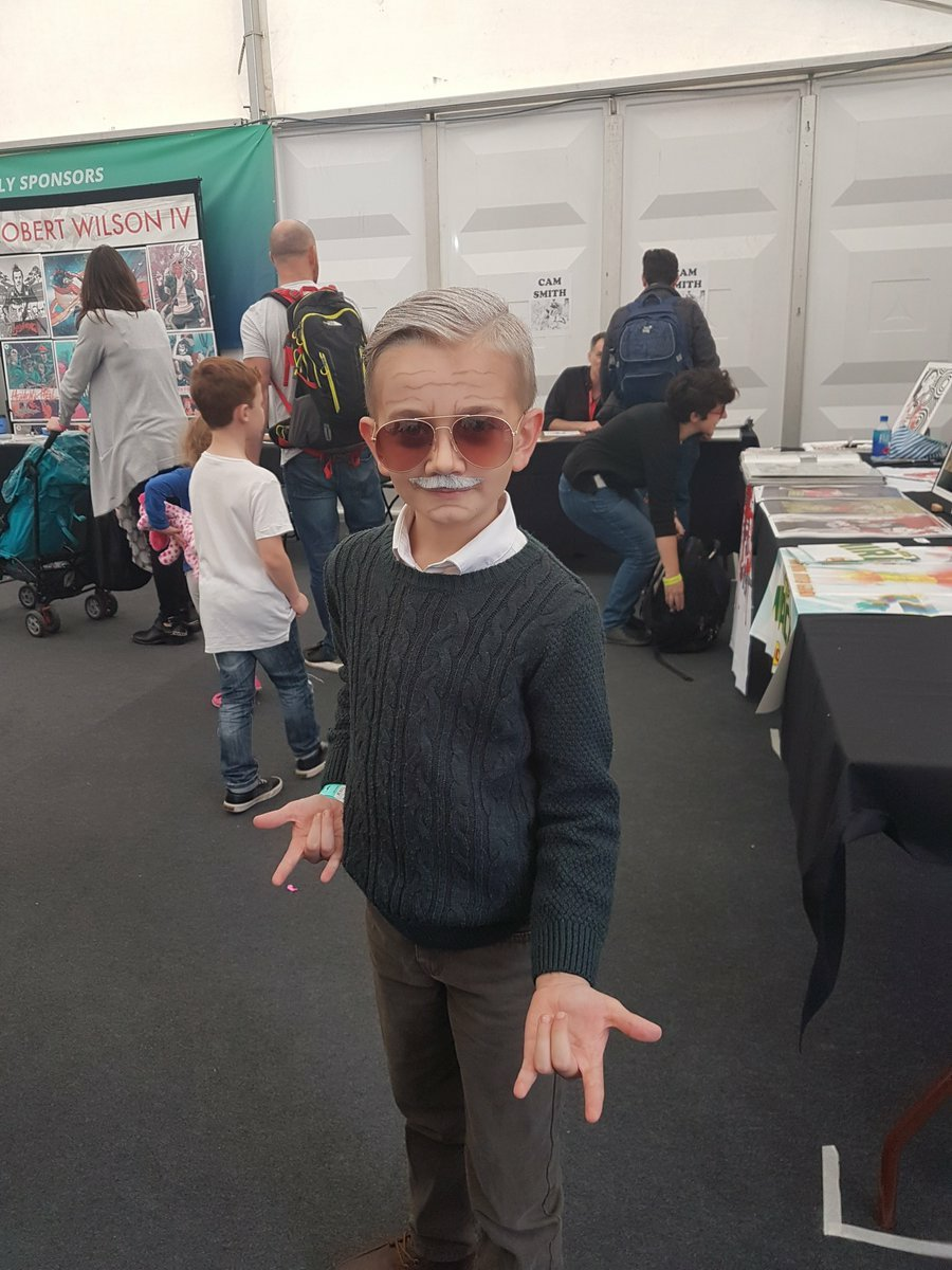 some next level cosplay. #excelsior https://t.co/O68Q0Vl25q