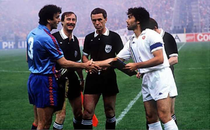 #Alexanco and #Pellegrini before the 1989 Cup Winners Cup final between  #FCBarcelona v #Sampdoria <br>http://pic.twitter.com/B0SYpxfqYd