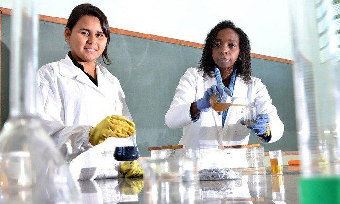 De origem humilde, cientista brasileira se tornou PhD em Química; 'Já passei fome' https://t.co/rxFZVwcSTI